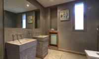 Villa Chamly 4 Bathroom with Mirror | Marrakesh, Morocco