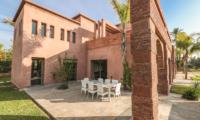 Villa Chamly 4 Outdoor Dining Table | Marrakesh, Morocco
