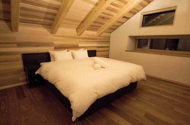 Asagiri Chalet Spacious Bedroom | Hakuba, Nagano