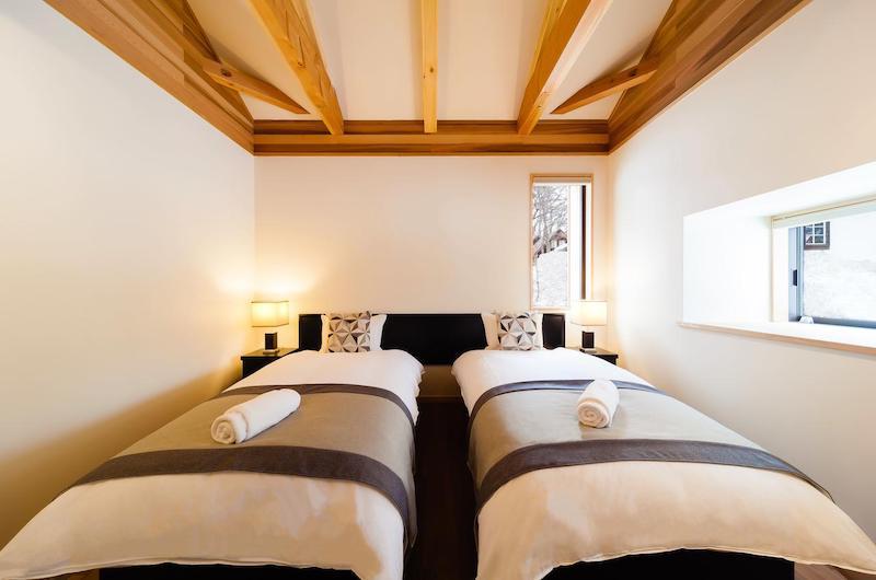 Asagiri Chalet Twin Bedroom | Hakuba, Nagano