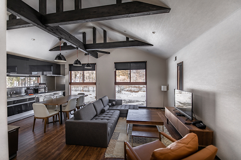 Mizuho Chalet Living Room | Hakuba, Nagano