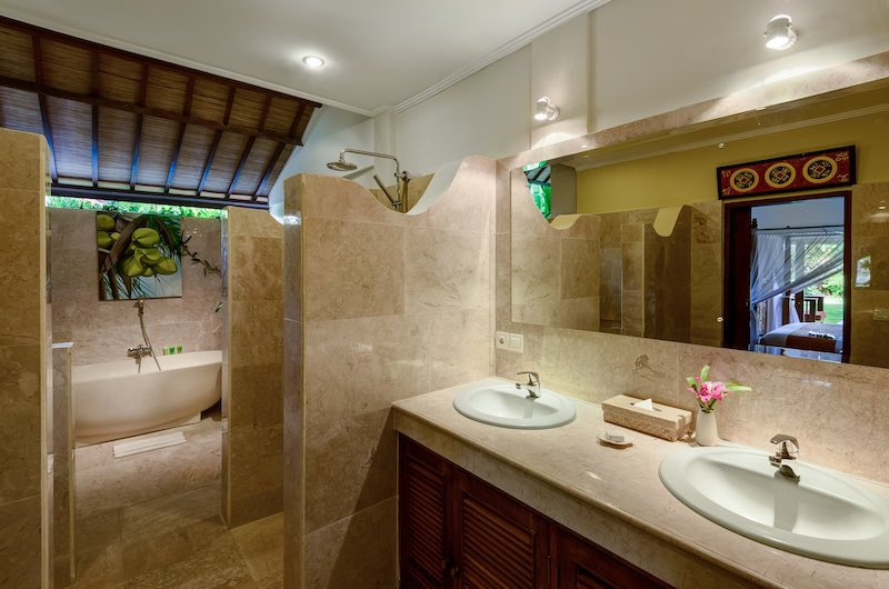 Hevea Villas Three Bedroom Villa Bathtub | Seminyak, Bali