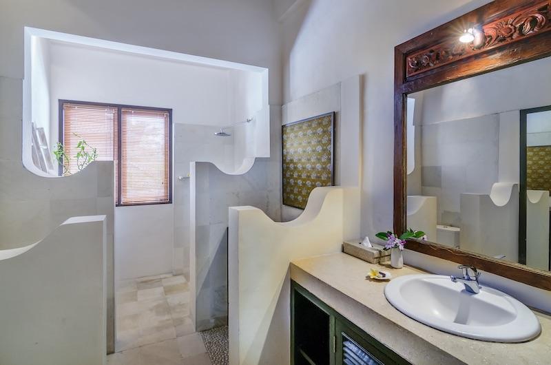 Hevea Villas Three Bedroom Villa Deluxe Bathroom | Seminyak, Bali