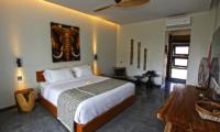 Villa Elite Mundano Bedroom with Seating | Canggu, Bali