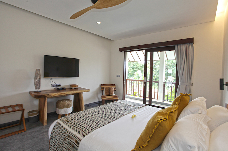 Villa Elite Mundano Bedroom with Balcony | Canggu, Bali