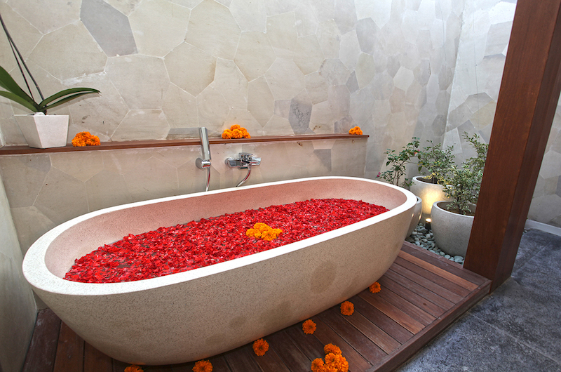 Villa Elite Mundano Bathtub | Canggu, Bali