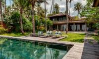 Villa Manis Beachfront Pool Side | Candidasa, Bali