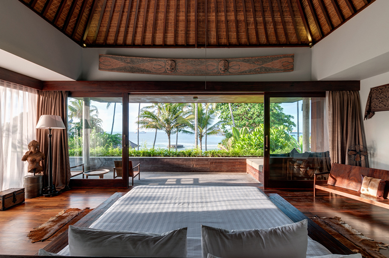 Villa Manis Beachfront Bedroom with Balcony | Candidasa, Bali