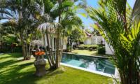 Villa Sipo Sun Loungers Pool and Garden | Seminyak, Bali