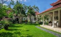 Villa Sipo Veranda and Lawn | Seminyak, Bali