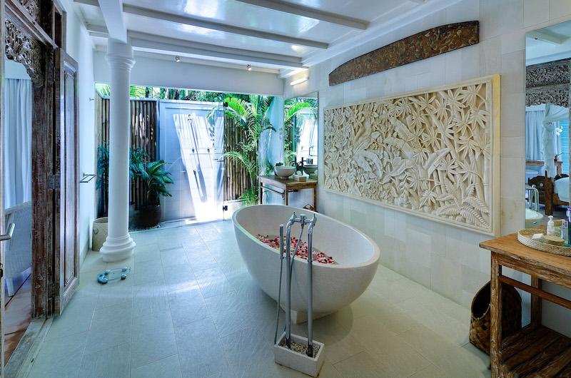 Villa Sipo Bathtub | Seminyak, Bali