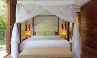 Villa Suar Empat Bedroom with Four Poster Bed | Seminyak, Bali