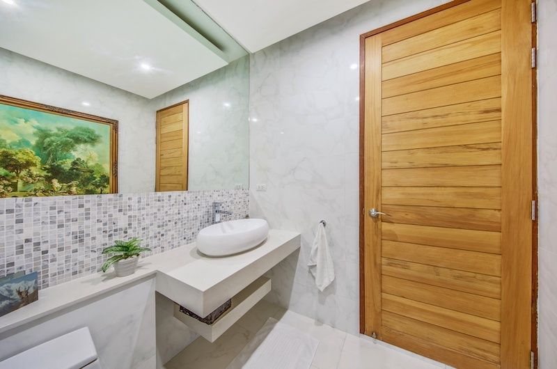 Villa Blue Ridge Bathroom with Mirror | Bophut, Koh Samui