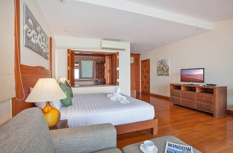 Villa Balie Bedroom Area with TV | Patong, Phuket