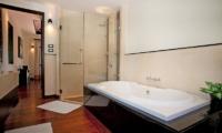Villa Chom Tawan En-suite Bathroom | Layan, Phuket