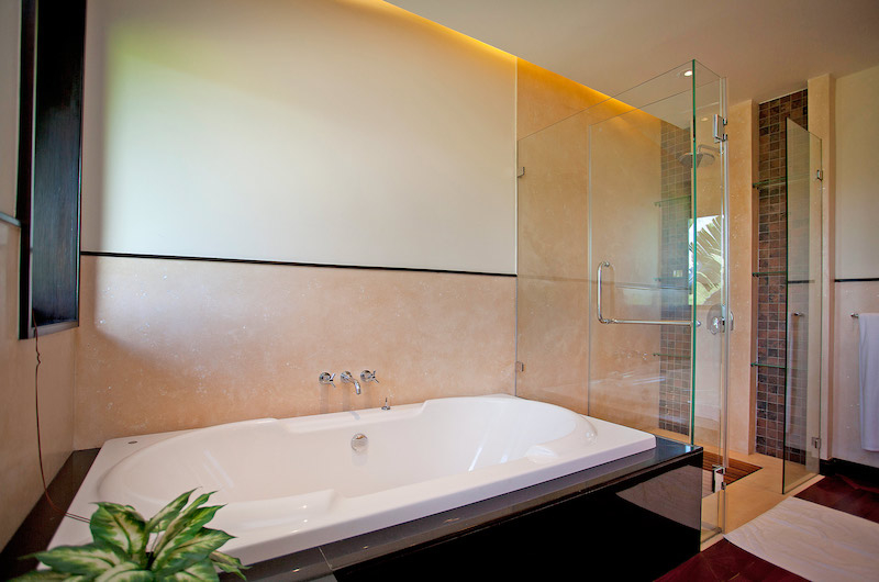 Villa Chom Tawan Bathtub and Shower | Layan, Phuket