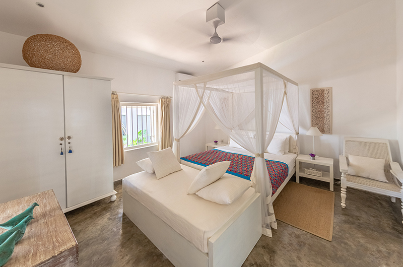 Villa 906 Bedroom with Seating | Hikkaduwa, Sri Lanka