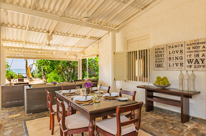 Villa 906 Dining Table | Hikkaduwa, Sri Lanka