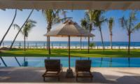 Villa Ahasa Sun Loungers and Swimming Pool with Sea View | Habaraduwa, Sri Lanka