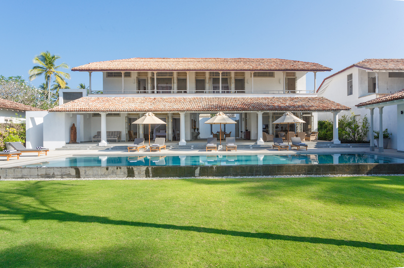 Villa Ahasa Poolside with Lawn | Habaraduwa, Sri Lanka