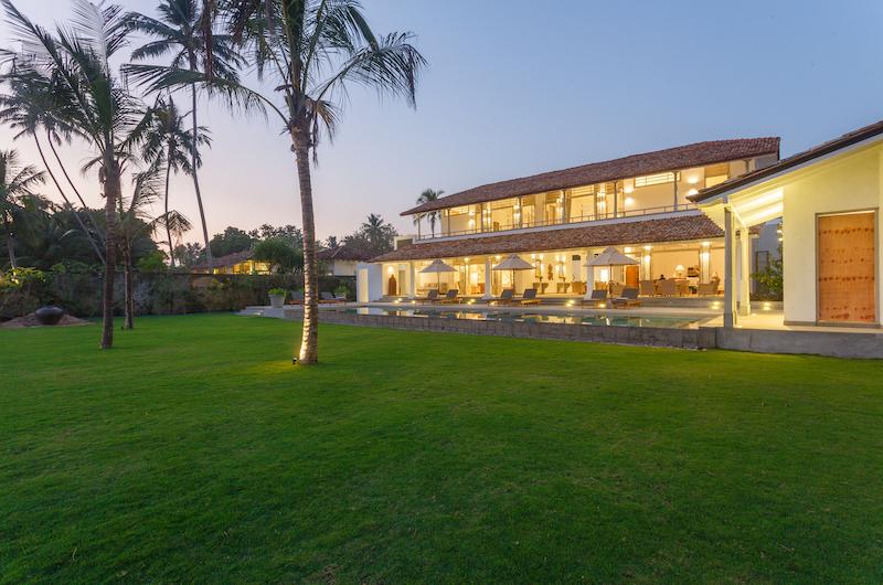 Villa Ahasa Lawn | Habaraduwa, Sri Lanka