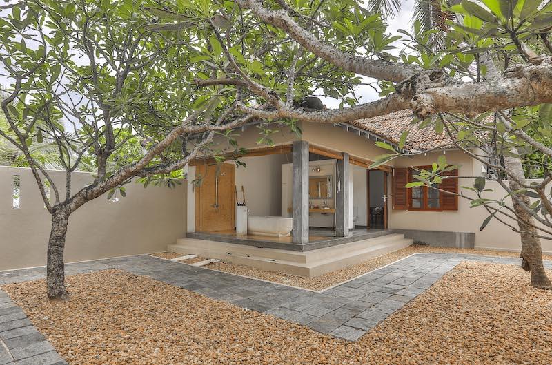 Villa Frangipani Tree Hawksbill Two Bathroom Area | Talpe, Sri Lanka