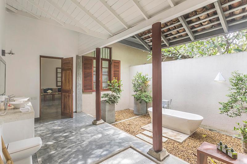Villa Frangipani Tree Olive Ridley One Bathtub | Talpe, Sri Lanka