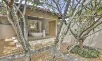Villa Frangipani Tree Hawksbill One Bathtub Area | Talpe, Sri Lanka