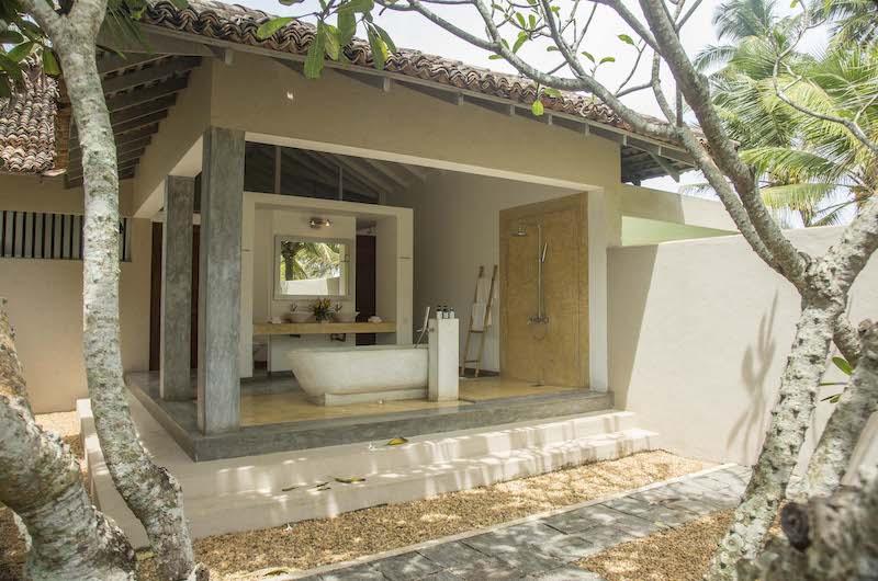Villa Frangipani Tree Hawksbill One Bathtub | Talpe, Sri Lanka