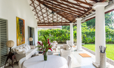 Villa Mawella Seating Area and Lawn | Tangalle, Sri Lanka