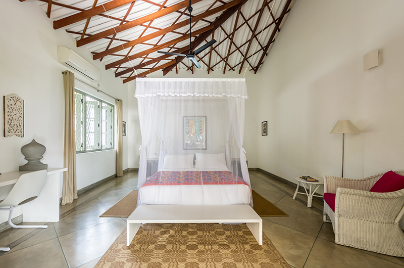 Villa Mawella Bedroom with Study Table and Couch | Tangalle, Sri Lanka