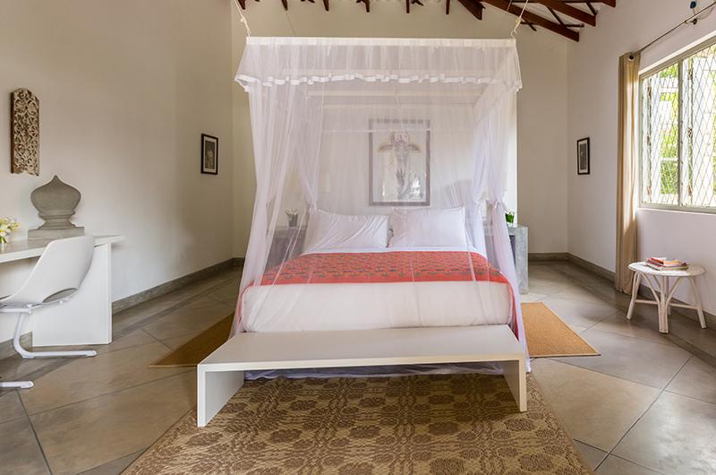 Villa Mawella Bedroom with Canopy Bed | Tangalle, Sri Lanka