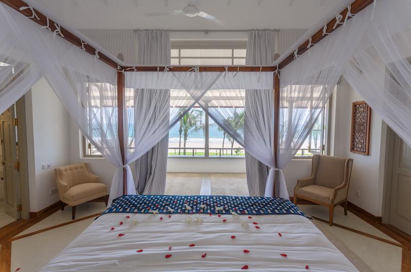 Villa Sulanga Master Bedroom with Balcony   Habaraduwa, Sri Lanka