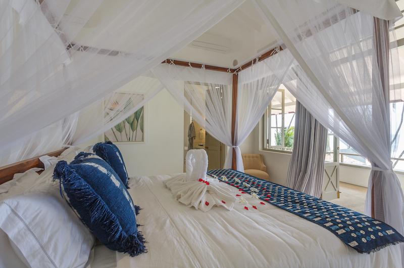 Villa Sulanga Guest Bedroom with Four Poster Bed   Habaraduwa, Sri Lanka