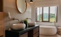 Muriwai Estate Bathroom with Bathtub | Muriwai, Auckland