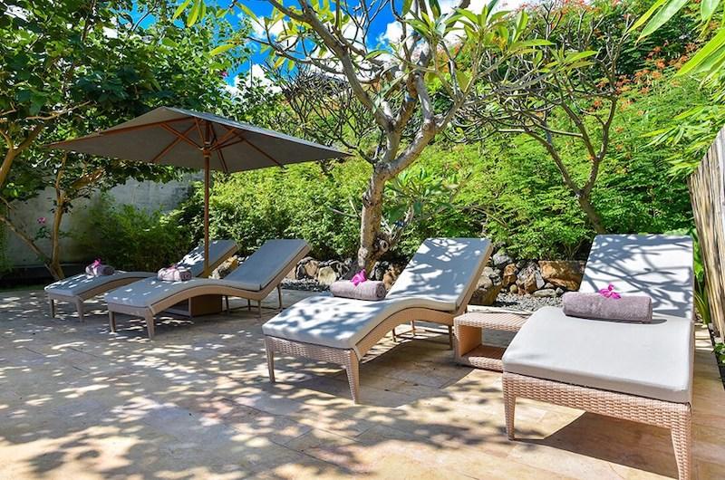Sumberkima Hill Villas Villa Arun Sun Beds   North Bali, Bali