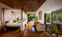 Villa Bukit Naga Bedroom and Outside View | Gianyar, Bali