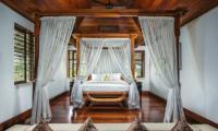 Villa Bukit Naga Bedroom with Canopy Bed | Gianyar, Bali