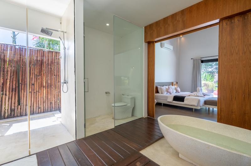 Villa Doretanh En-suite Bathroom with Bathtub | Ungasan, Bali