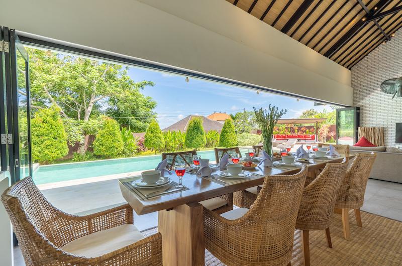 Villa Doretanh Dining Area with Pool View | Ungasan, Bali