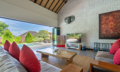 Villa Doretanh Living Area with Pool and Garden View | Ungasan, Bali