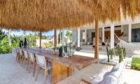 Villa Karein Outdoor Dining Table   Seseh, Bali