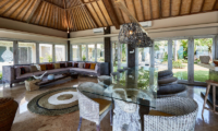 Villa Sunrise Dining Area with Garden View | Gianyar, Bali
