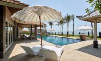 Villa Sunrise Sun Loungers | Gianyar, Bali
