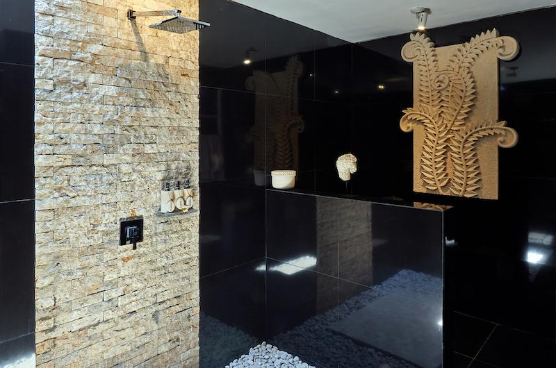 Villa Sunrise Bathroom with Shower | Gianyar, Bali
