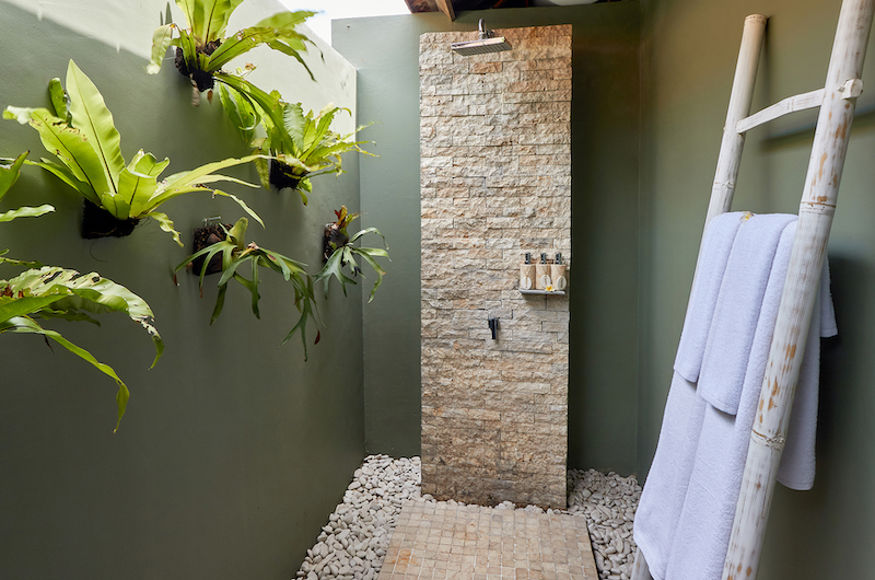 Villa Sunrise Open Shower | Gianyar, Bali