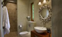 Ataahua Lodge Vanity | Whakamarama, Bay of Plenty