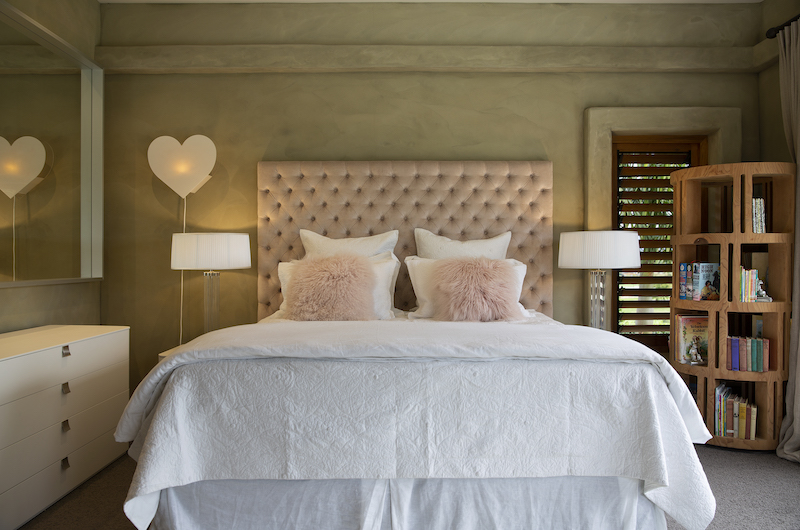 Ataahua Lodge Bedroom with Heart Shape Lamp | Whakamarama, Bay of Plenty