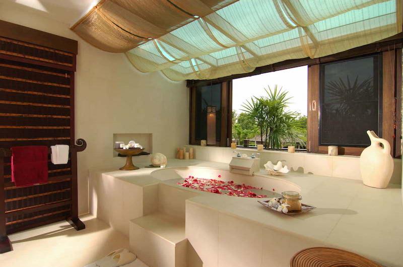 Tamarind Villas Exclusive Villa Bathtub | Pattaya, Chonburi