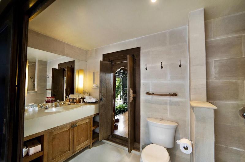 Tamarind Villas Exclusive Villa Bathroom One | Pattaya, Chonburi